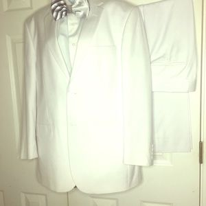 Other - All white men three piece suit with tie!